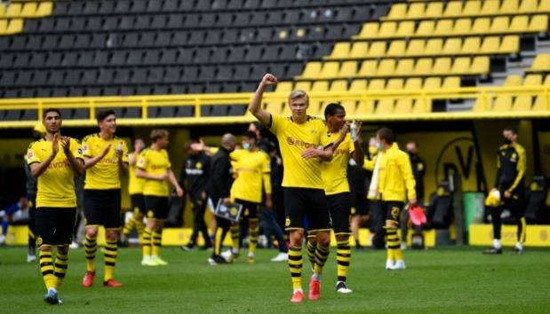 Esultanza Borussia di fine partita