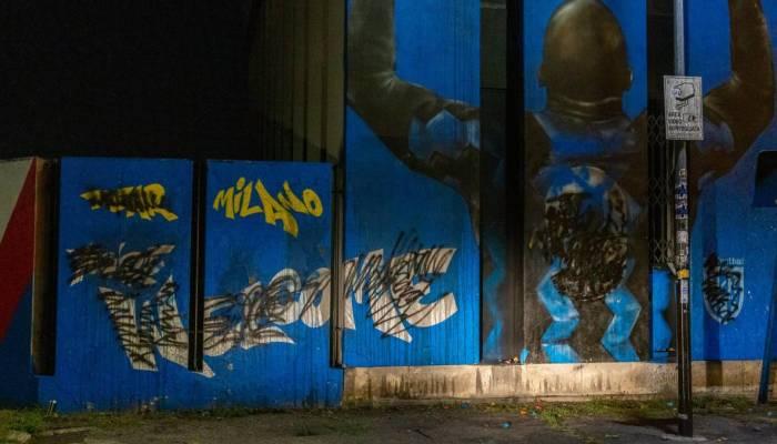Il murale di Lukaku imbrattato